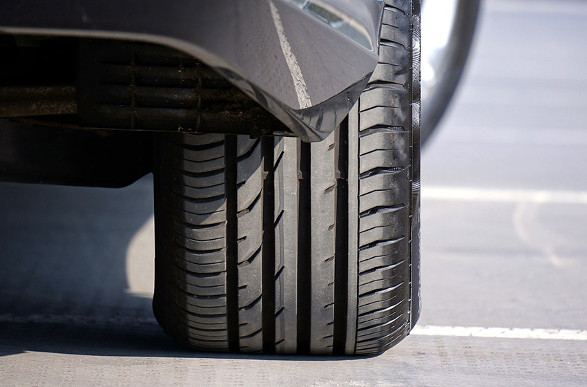 Comment nettoyer les pneus de sa voiture ?