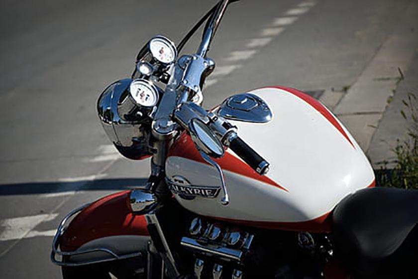Moto, scooter : comment nettoyer un deux-roues en station ?