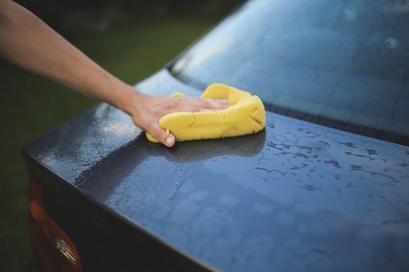 Lavage auto: quels sont les accessoires indispensables à utiliser?