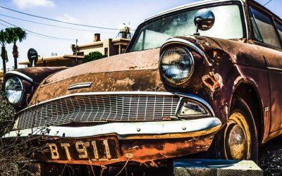Prendre soin de sa voiture au retour des vacances d'été : comment la nettoyer et lutter contre la corrosion