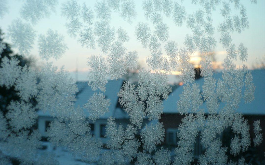Comment dégivrer son pare-brise en hiver ?