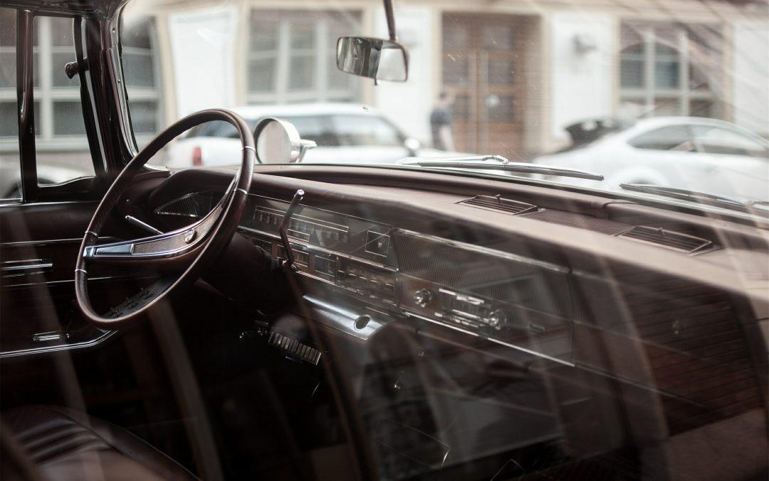 Laver les vitres de sa voiture en cinq étapes