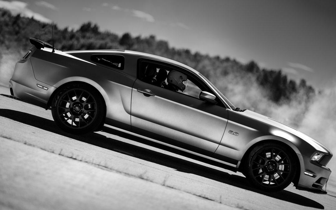 Comment nettoyer une voiture à la peinture gris métallisée ?